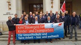 Vor dem Landtag
